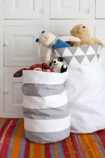 tutorial-to-make-a-reversible-fabric-storage-bins-683x1024